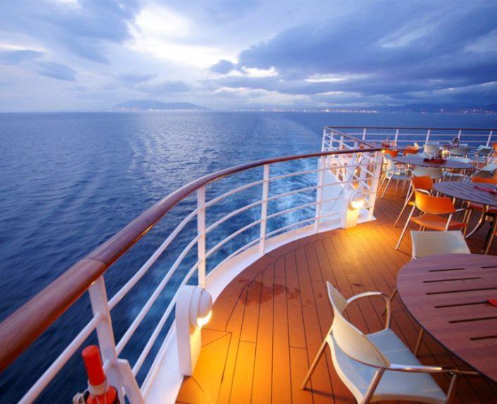 Luxsuri cruises